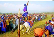 Hola-Mahalla-Singh-riding-horses 1